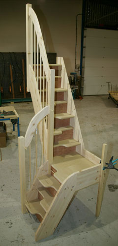 Alternating tread staircases quarter - Stairs in a small space model ...