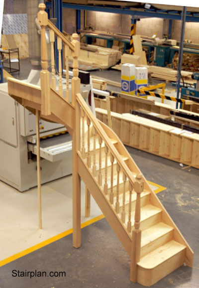 Winder Staircases Oakwinder3 Jpg Oak Winder With Pine Treads